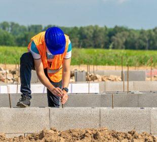Jak zaizolować fundamenty domu?