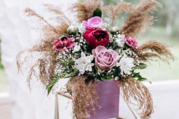Nowoczesne kompozycje kwiatowe na stół