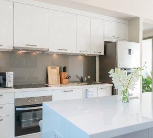 Jaki sprzęt AGD do białej kuchni wybrać? Przeglądamy!