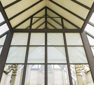 Sufit katedralny w nowoczesnym wnętrzu - czy warto?