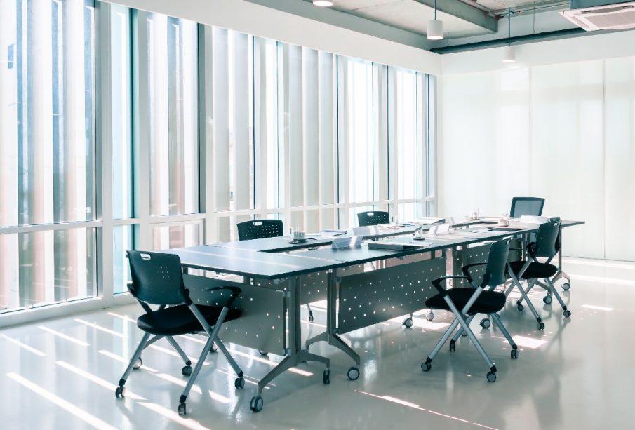 Jak dbać o bezpieczeństwo sanitarne w biurowcu?